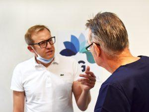 Dr. Dr. Steiner und Dr. Pietsch im Gespräch